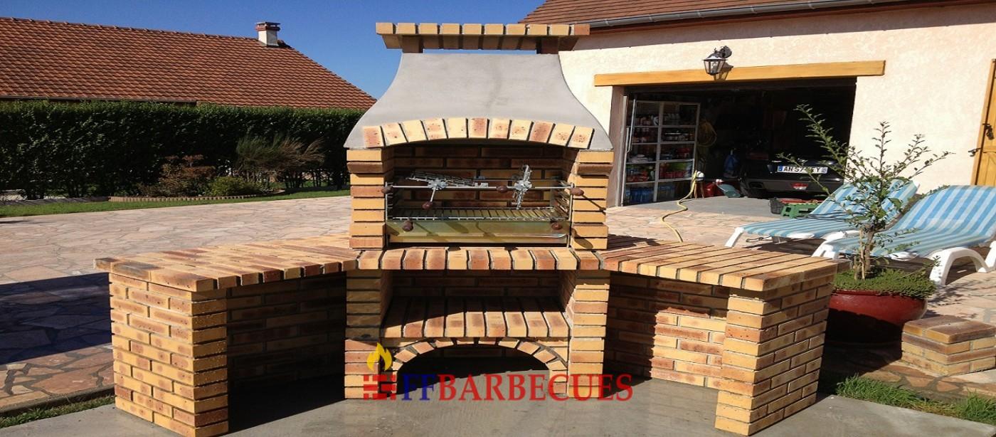 Barbecue d angle en briques l opard l j 38 ffbarbecues for Fabriquer un barbecue en brique refractaire