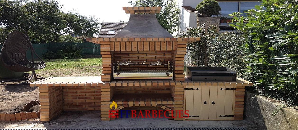 Barbecue en brique l opard l j 36 ffbarbecues for Barbecue en brique refractaire neuf